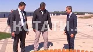 Глава региона при проверке Нижневолжской набережной попал в ее ловушки