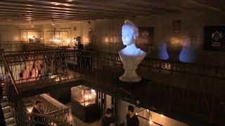 Машина времени, инопланетянин и портал в другой мир: в Петербурге открылся «Музей неПравды». ФАН-ТВ
