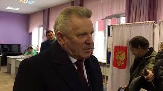 Губернатор Хабаровского края проголосовал за президента