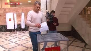 Владимир Иванов отдал свой голос на избирательном участке 1097