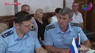 Прокурор Республики Денис Попов провел прием граждан в Буйнакске