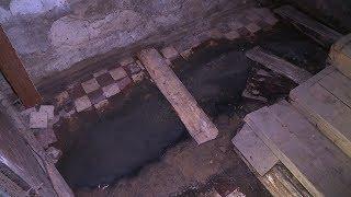 Плавучий дом: как живется людям, когда подвал пятиэтажки полон сточных вод