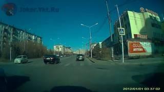 Автор видео считает это нарушением. А Вы как думаете? (Якутск 05.10.2016)