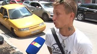 Автомобиль угодил в ливнёвку в центре Симферополя