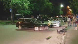 ДТП в Киеве на Волгоградской: Фольксваген подбил Шевроле