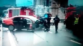 ДТП произошло в Москве с участием снегоуборочной машиной.Пострадало 5 человек