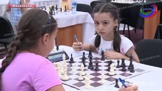 В школе имени Анатолия Карпова прошло Первенство Дагестана по шахматам