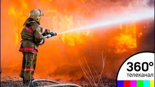 В Благовещенске пожар охватил несколько частных домов