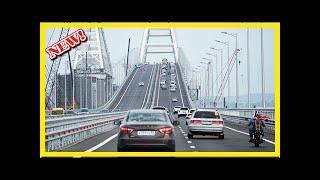 На Крымском мосту произошла первая дорожно-транспортное происшествие
