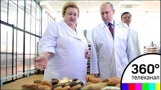 Уникальный космический торт подарили Владимиру Путину