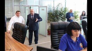 Губернатор Андрей Бочаров проинспектировал работу центра экстренных вызовов Система-112