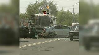 В Уфе на «пьяной дороге» в аварию попал пассажирский автобус