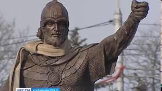 В эти минуты в Калининграде идёт установка памятника Александру Невскому