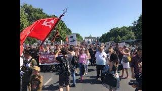«Бессмертный полк» у Бранденбургских ворот. День Победы в Берлине