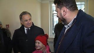 В Югру с рабочим визитом прибыл заместитель председателя правительства РФ Виталий Мутко