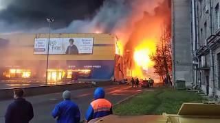 В Санкт-Петербурге горит гипермаркет «Лента» на Обводном канале