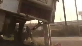 На улице Космонавтов неуправляемый большегруз протаранил несколько автомобилей.