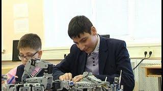 Школьник из Югры собрал 70 полезных роботов