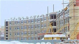 Вторую очередь строящейся школы в Нижневартовске обещают сдать раньше срока