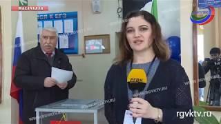 Свой выбор к этому времени уже сделал Председатель Народного собрания Хизри Шихсаидов