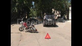 Байкер-нелегал пытался избежать встречи с полицейскими и попал в ДТП в Хабаровске. Mestoprotv