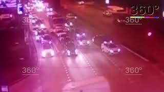 Самосвал смял девять машин на светофоре