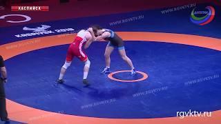 На чемпионате Европы сегодня продолжаются соревнования по женской борьбе