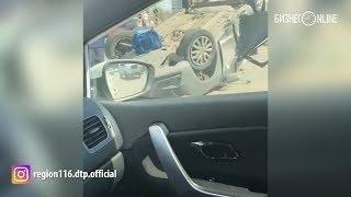 В Казани около мечети на Мусина автомобиль перевернулся после ДТП – есть пострадавшие