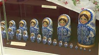 Коллекция матрёшек, которую собирали 40 лет, выставлена в краеведческом музее