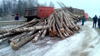 Три КамАЗа столкнулись  в Калужской области
