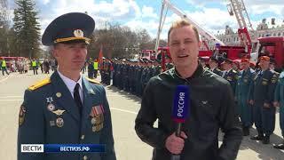 Парад техники и кроссфит: День пожарной охраны отмечают в Вологде