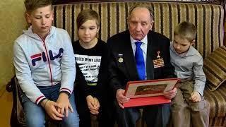 Дмитрий Азаров поздравил Героя Советского Союза Владимира Чудайкина с 93-летием