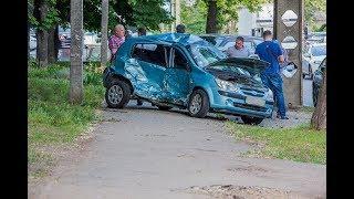 В Днепре на улице Юрия Савченко  произошло тройное ДТП