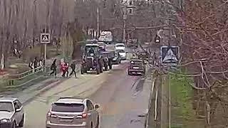 ДТП (сбиты дети г. Волжский) школа № 23 пешеходный переход 20-04-2018 14-00