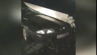 В Ярославле иномарка врезалась в столб: водитель доставлен в больницу