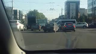 На улице Доваторцев в Ставрополе маршрутка столкнулась с «Хёндаем»