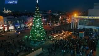 В столице устанавливают новогоднюю елку