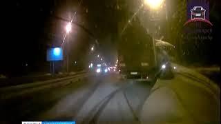 В Красноярске нетрезвый дальнобойщик устроил курьезную аварию на проспекте Металлургов