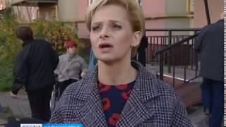 В Калининграде инвалиду-колясочнику вручили переносной пандус