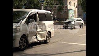 Не работающий светофор стал причиной ДТП в центре Хабаровска. Mestoprotv