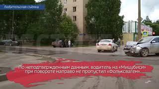 На проспекте Победы в Вологде столкнулись две иномарки