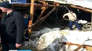 В Канске под тяжестью снега обрушилась крыша пятиэтажки