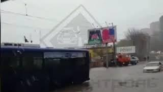 Во Владивостоке из-за циклона нарушено движение морского и электротранспорта