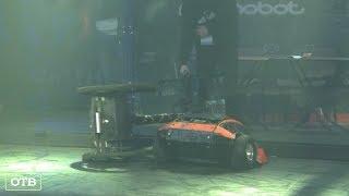 Живая сталь: в Екатеринбурге проходит международная битва роботов