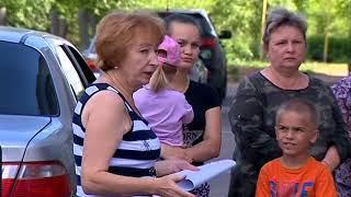 Мы тонем и задыхаемся: жители Углича жалуются на канализационные стоки во дворе