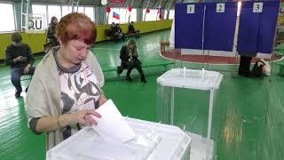 Депутат Госдумы и спикер зауральского парламента проголосовали одними из первых